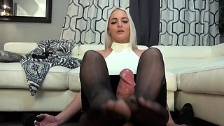 Mesmerizing blonde in pantyhose delivers a perfect footjob