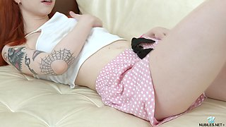 Tattooed teen with ginger hair Lagoon Blaze is jilling off pussy pulling panties aside