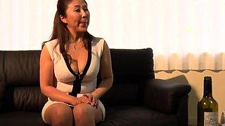 Massage lesbian amateur fingered by lesbian masseuse