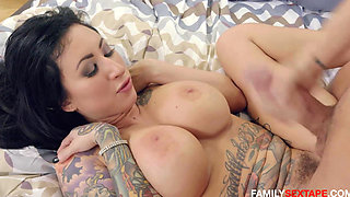 Step Mom Fucks Nerdy Son- HOTTEST MOM SON ACTION