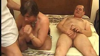 Perverted French MILFs and grannies fucking