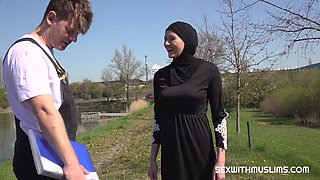 Outdoor Sex With Muslim Babe In Hijab - Hardcore With Cumshot