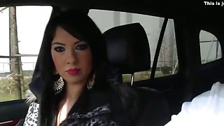 Insatiable lovers film sex in the car