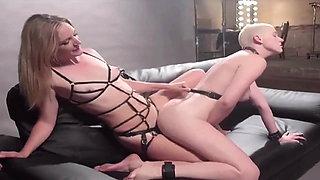 Hardcore Lesbian Strapon Fucking