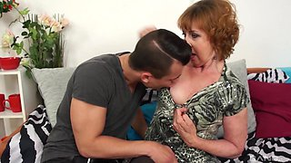 Mature feels endless dick ramming her cunt in brutal modes
