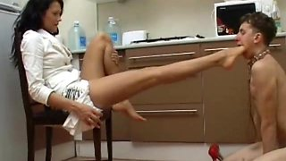 Under-Feet Video: Anna Gold