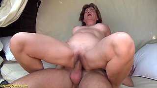 76 years old mom outdoor fucked by her boyfriend
