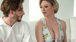 Mommy with hypnotizing cleavage Dee Williams bangs her handsome stepson