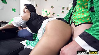 Bitch with WOW big ass Rose Monroe is fucked by one kinky dude in funny costume
