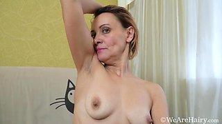 Ivanna masturbates after a hard workout to orgasm - WeAreHairy