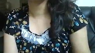 Indian aunty with big boobs doing video chat with boyfriend