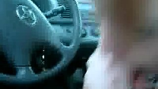Hot teen blows and swallows in the car