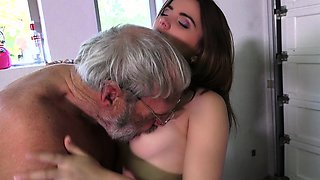 Party girl provokes oldman to scores her pussy