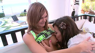 Three sexy girls are making a party and then it turns into a foursome