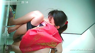 ###ping chinese girls go to toilet.2