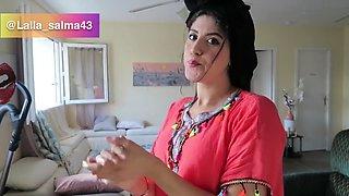 Arab abaya clean home