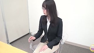 Japanese pee during desperate interview