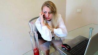 Drunk curvy office girl fucked