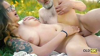 OLD4K. Gal with glasses drilled by friend's old dad