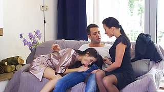 Amazing FFM threesome with hot MILF and nice teen