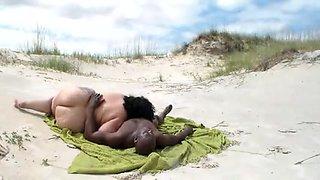 Interracial BBW BEACH FUCKING