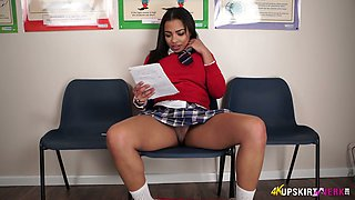 Wonderful looking buxom black hottie Ruby Summers exposes her sexy bum