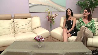 Killing hot babe Stephanie Sage is eating tasty looking pussy of nasty GF