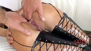 Anal fisting and pussy fisting in a double fisting session