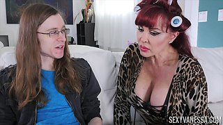 Milf Sexy Vanessa enjoying the dick of a long-haired nerdy guy