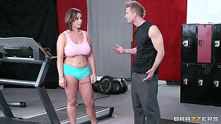 Fucking in the gym between a handsome guy and horny Eva Notty