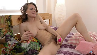 Closeup video of horny Princess Mustang fingering and drilling her cunt