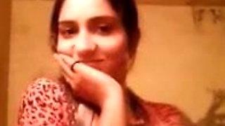 Desi girl ne Bathroom me bf ke liye shoot Kiya nude MMS