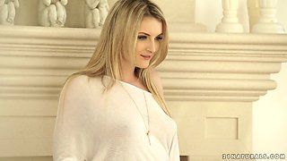 Desirable blonde beauty Jemma Valentine gets drilled well