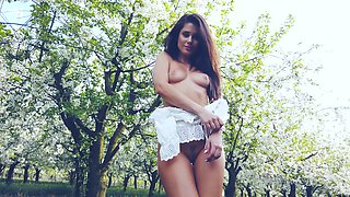 Outdoor fun under the apple tree in sensual XXX outdoor play