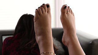 LoveHerFeet - A Fine way For My Stepsister To Repay Me