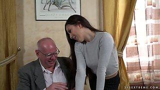 Turkish secretary Anya Krey is pleasing her old boss like nobody else before